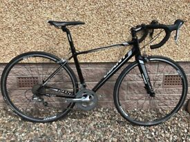 """Giant Defy 2 Road Bike. Size Small - would suit person 5'3"""" to 5'7"""""""