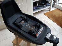 Maxi-Cosi 2Way Pearl car seat & 2Way Fix isofix base (Duo pack)