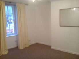 Beautiful 2 Bed Flat,High Street,Kirkcaldy