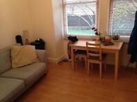 Converted Ground 1 Bed Flat Allocated Parking Garden Near Tube Bus Shops Park