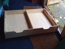 Under the bed drawer - pine - with play table lid - Kidcraft / GLTC - 4 castors