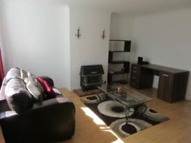 Bright warm fully furnished single :-)