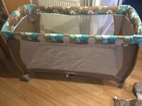 Travel cot from birth higher level and storage