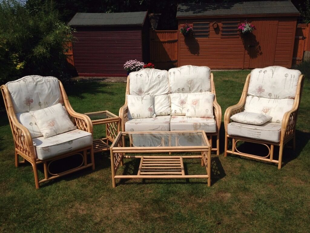 5 Piece Conservatory Furniture Set - Great Condition