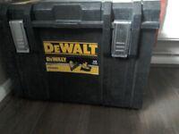 DeWalt nail gun set