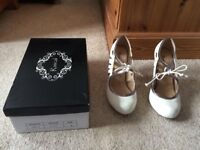 Ladies cream and pewter hidden platform shoes size 6