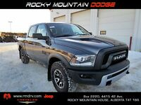 2016 Ram 1500 Rebel 4x4 CREW / Sunroof /Back up Camera