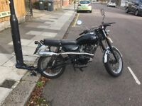 Sinnis 125cc motor cycle cafe racer style, good runner