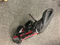 Childs golf clubs plus carry bag , 3 Wood,7 iron and putter. Age 7/9.