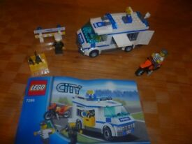 LEGO City 7286: Prisoner Transport