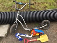 Outdoor toys being sold together as a bargain set ! No punctures etc.