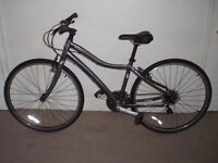 "IMMACULATE Specialized Globe Vienna 16.5"" Hybrid/Commuter/Town Bike (LIKE NEW) (will deliver)"