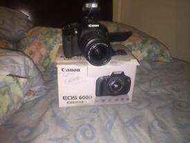 CANNON 600D Camera