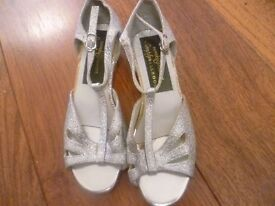Ballroom/Latin American Silver Dance Shoes - Size 1 (Adults)