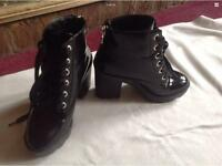 Ladies ankle boots aldo used size 39/6 with small zip back £5