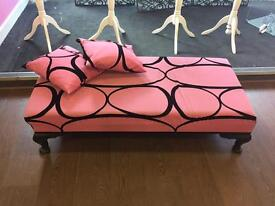 Chaise longue seat with cushions
