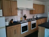 furnished double rooms to rent - professionals only - bills included - good locations - fast wifi