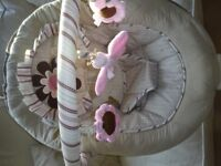 BABY GIRLS~USA MAKE BABY TREND VIBRATING~MUSICAL CHAIR BOUNCER~0~6 MONTHS
