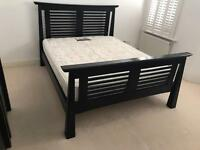 Solid wooden queen size bed •free delivery
