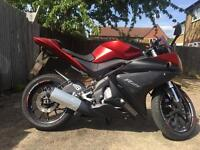 YAMAHA YZF-R125 2014 NEW SHAPE MATT RED WITH YEARS MOT EXCELLENT RUNNER VERY L0W MILES WITH ALARM