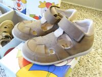 Kids shoes by RICOSTA Brown size 7 or Blue or Brown size 2