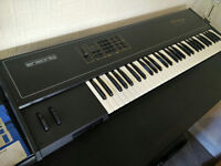 Ensoniq Mirage DSK-8: 1980s classic sampler keyboard with flight case - mint condition!