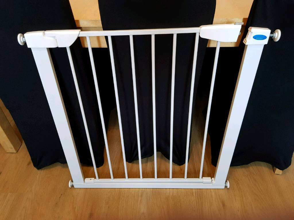 Baby start auto close stair gate