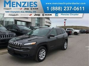 2016 Jeep Cherokee North, 4x4, Bluetooth, Pan Roof, Clean Carpro