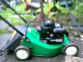 PETROL LAWN MOWER AND GRASS BOX
