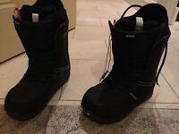 Burton invader snowboard boots size 9