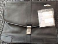 SAMSONITE vintage black business handbag in impeccable condition