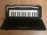 Hohner Student 32 Melodica / Pianica - Black with hard case