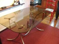 DINING TABLE. GLASS TOP