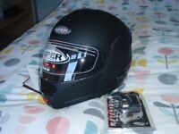 Viper RS-V-131 BL+ Motorcycle Helmet with Bluetooth.