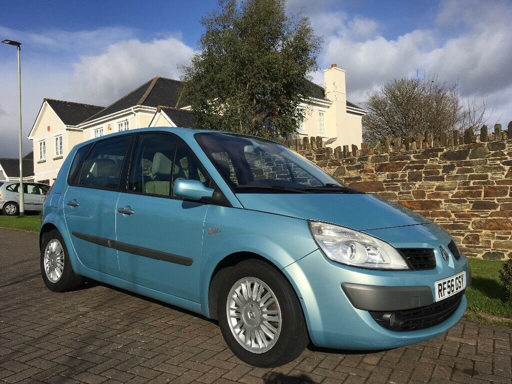 Renault Scenic 2.0l VVT Privilege 5 Door Petrol Auto. - Great spacious family car