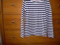 Girls Long sleeve Black & White stripe top Age7-8yrs 122-128cm