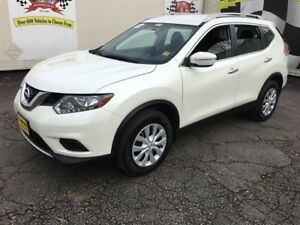 2015 Nissan Rogue Automatic, Back Up Camera, AWD 47, 000km
