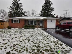 $595,500 - Bungalow for sale in Fonthill