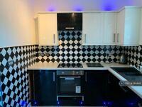 2 bedroom flat in Dunlop Street, Warrington, WA4 (2 bed) (#914448)