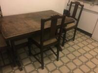 Solid wood extendable dining table with 4 chairs