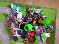 Bundle of mixed toys