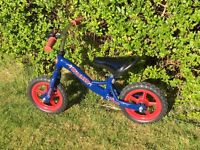 Blue and red 'Runner' balance bike