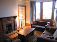 JULY HOLIDAY LET - 6 bedroom flat, Morningside Rd