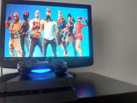 PS4 CONSOLE WITH WIRELESS CONTROLLER AND FORTNITE GAME