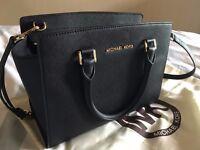 Michael Kors Selma Handbag (Medium)
