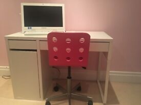 White computer desk and chair