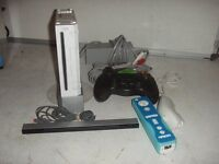 Wii CONSOLE MODEL RVL-001 (OUR REF 11663)