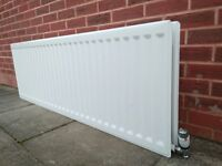 DOUBLE PANEL CENTRAL HEATING RADIATOR WITH THERMOSTAT AND BRACKETS