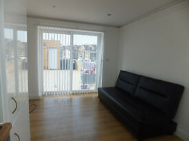 FANTASTIC MODERN STUDIO, LOCATED ON HIGH ROAD, CLOSE TO TUBE