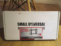 "FLAT UNIVERSAL FLAT PANEL WALL MOUNT TILT TV BRACKET (BRAND NEW) - SUITABLE FOR 23""-37"" TV"